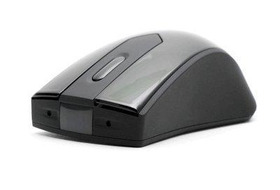 El PV-MU10 de LawMate es una cámara oculta en el interior de un ratón inalambrico.   Dispone de sensor PIR para realziar grabaciones y fotografías.   La cámara cuenta con un sensor de 5Mp que dan una resolución de video de 720p de HD y fotográfica de...