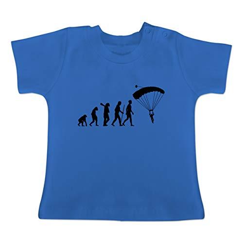 Evolution Baby - Fallschirmspringen Evolution - 18-24 Monate - Royalblau - BZ02 - Baby T-Shirt Kurzarm -