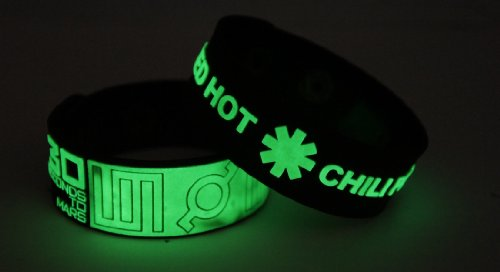 30 Seconds to Mars Red Hot Chili Peppers 2pcs NEU. Glow In The Dark Wristband 2 X 2 G12