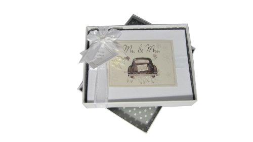 """Hochzeitsalbum von White Cotton Cards, Motiv """"Mr und Mrs"""" mit Hochzeitsauto, klein"""