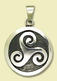 amulette-triskilian-des-trois-points-cardinaux