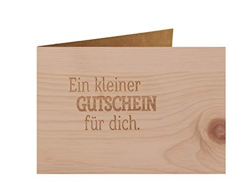 Holzgrußkarte - Ein kleiner Gutschein für dich - 100{f8af013afe09e08e21473d219a9d4719937618a96ba95243f057c4e8c844bffc} handmade in Österreich - Postkarte, Geschenkkarte, Grußkarte, Klappkarte, Karte, Einladung, Glückwunschkarte Zirbe