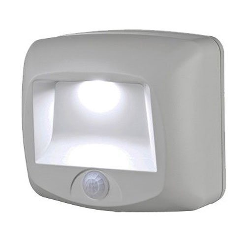 mr-beams-mb530-wireless-battery-operated-indoor-outdoor-motion-sensing-led-step-light-white