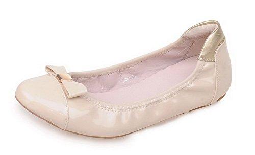 AllhqFashion Damen Ziehen Auf Mikrofaser Rund Zehe Niedriger Absatz Rein Flache Schuhe Cremefarben