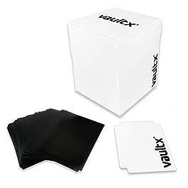 Vault X ® Porta Mazzo e 150 Bustine Nere per Carte – Formato Grande per 120+ Carte Imbustate – Senza PVC (Bianca)