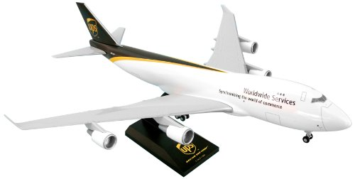 skymarksskr484-ups-boeing-747-400f-1200-snap-fit-model