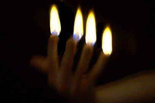Flammen auf Knopfdruck (für 4) - Zaubertrick
