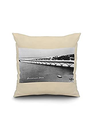 Texas - Buchanan Dam Panoramic Photograph (20x20 Spun Polyester Pillow case, White Border)