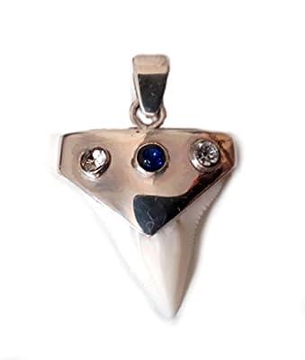 Dent de requin avec 3 perles sur monture argent