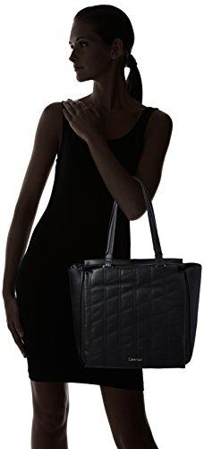Calvin Klein Jeans  CARRI3 QUILT TOTE, Sacs portés épaule femme Schwarz (BLACK 001 001)