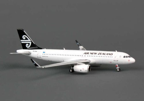 ph4anz946-phoenix-air-new-zealand-a320-1400-wsharklets-regzk-oxa-model-airplane-by-phoenix-diecast