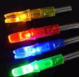 Lugii Cube avec LED flèche Nocks batterie intégrée lumineux tir à l'arc Nocks Couleur Aleatoire