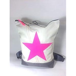 Segeltuchrucksack mit pinkem Stern