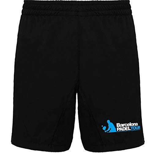 Pantalón deportivo corto con bolsillos laterales. Cinturilla elástica con cordón ajustable. Tejido ligero y transpirable con interior frontal en malla de microfibra.
