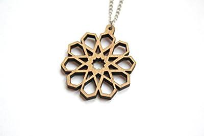 Pendentif bois naturel, collier fleur géométrique, bijou d'inspiration orientale, bohème chic, hippie, motif étoile, cadeau femme, chaîne métal argenté.
