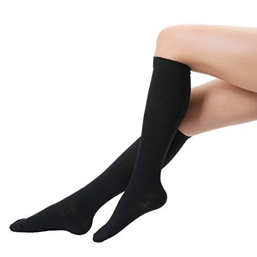 medizinische Kompressionsstrümpfe und Trombosestrümpfe 20-30 mmHg für Herren und Damen Stützstrümpfe geeignet für Krampfadern Varizen, gegen die Thrombosen, Beinvenenthrombosen und Ödeme in Bein und Fuß geschlossener Strumpf Medical Knee High Compression Sock Schwarz M Size