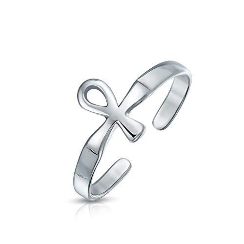 A menudo llevadas por los egipcios como un amuleto, el símbolo del Ankh es representativa de la vida eterna. Tus sandalias de verano realmente se destacan en estilo con uno de nuestros más nuevos anillos de dedo de pie ajustable en los dedos de los p...