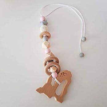 Babyschalenanhänger aus Silikonperlen mit Holz/Spielbogenanhänger/Maxicosianhänger in Hellgrau, Hellbeige und Rosa
