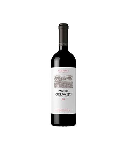 Tras una añada 2015 que marcó una nueva etapa en la historia de este vino, al unificarse por primera vez bajo una misma etiqueta el Crianza y el Reserva de la casa, llega la añada de su consolidación, la 2016. Pago Carraovejas 2016 le elabora con Tin...