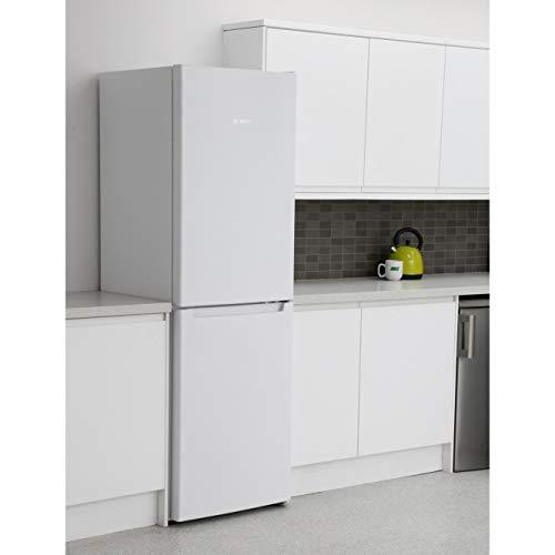 31Pi6xcjasL. SS500  - Bosch KGN34NW3AG Serie 2 Freestanding Fridge Freezer, No Frost, 297L capacity, 60cm wide, White