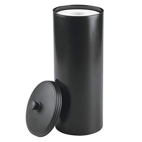 mDesign Dispensador de papel higiénico sin taladro - Decorativo portarrollos de pie - Discreto almacenaje de baño con tapa - Para 3 rollos de papel higiénico - Plástico resistente - Negro