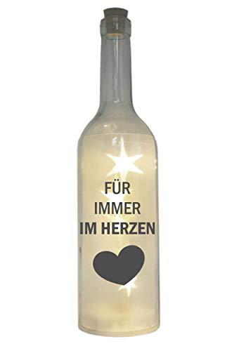 WB wohn trends LED-Flasche mit Motiv ~ Für Immer im Herzen ~ grau ~ 29cm ~ Flaschen-Licht Lampe mit Text Spruch Trauer