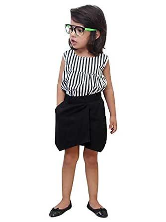 How to look smart girl in office