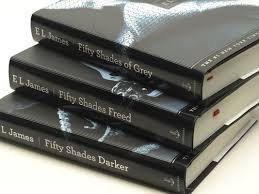 Buchseite und Rezensionen zu 'Fifty Shades of Grey / Darker / Freed (3 Book Set) [Hardcover] by E. L. James' von E. L. James