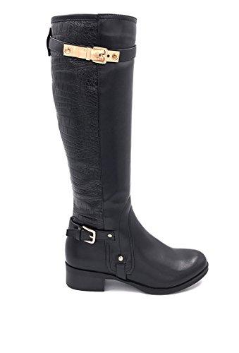 CHIC NANA . Chaussure femme botte plate en similicuir, dotée d'un bout rond.