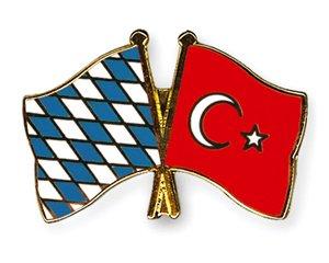 Yantec Freundschaftspin Bayern - Türkei Pin Anstecknadel Doppelflaggenpin