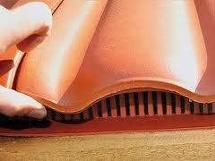 Traufenlüftungskamm - Universal Kunststoff | Abmessung: H/B 65mm x 1m | Farbe: braun