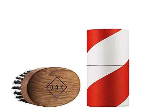 OAK BEARD BRUSH I Brosse à barbe (92 x 51 mm): met en forme la barbe et l'assouplit. Stylisation de la barbe pour les hommes portant une barbe pleine. Conception de produit primée à Berlin.