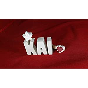 Beton, Steinguss Buchstaben 3D Deko Namen KAI mit Stern und Herzklammer als Geschenk verpackt! Ein ausgefallenes Geschenk zur Geburt, Taufe, Geburtstag, Namenstag oder auch zu Weihnachten!