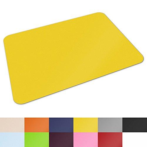 Schreibtischunterlage von Office Marshal® | hochwertige Tischauflage für Büro und Schule | abwischbar | rutschfest | 65x50 cm | gelb