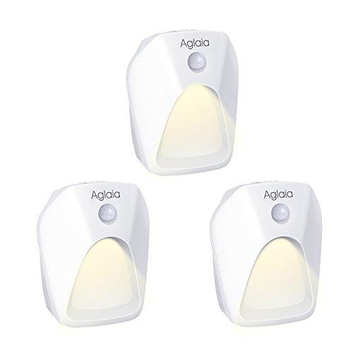 Aglaia 3 Pack LED Nachtlicht mit Bewegungsmelder, Warmes weißes LED Lichter, LED Bewegungsmelder Licht, Auto ON/OFF mit Lichtsensor, Wand- oder Schrankbeleuchtung, Überall Haftend, mit Bewegungssensor für Kinderzimmer, Schrankleuchten, Schrank Lichter für Flur, Schlafzimmer, Küche, Orientierungslicht,Energieeffizient (3 Pack) (Innen-schrank-türen)