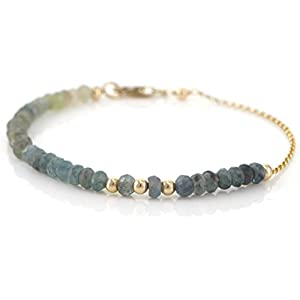 Zartes Armband blauer Beryll im Farbverlauf Omré Effekt