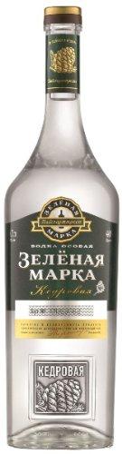 Green-Mark-Natural-Cedar-Nut-Flavor-Vodka-40-07l-Flasche