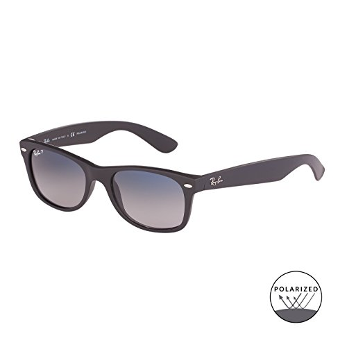 Ray Ban Für Mann Rb2132 New Wayfarer Matte Black / Blue Gradient Grey (Polarized) Kunststoffgestell Sonnenbrillen, 52mm