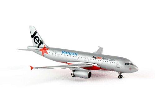 jcwings-jetstar-asia-a320-200-1-400-reg9v-jsd