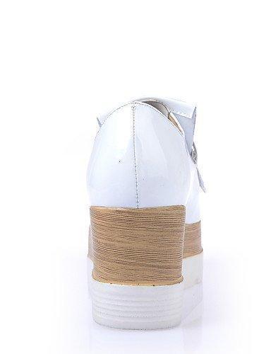 ZQ hug Scarpe Donna-Scarpe col tacco-Ufficio e lavoro / Formale / Serata e festa-Zeppe / Plateau-Zeppa-Finta pelle-Nero / Bianco , white-us8 / eu39 / uk6 / cn39 , white-us8 / eu39 / uk6 / cn39 white-us5.5 / eu36 / uk3.5 / cn35
