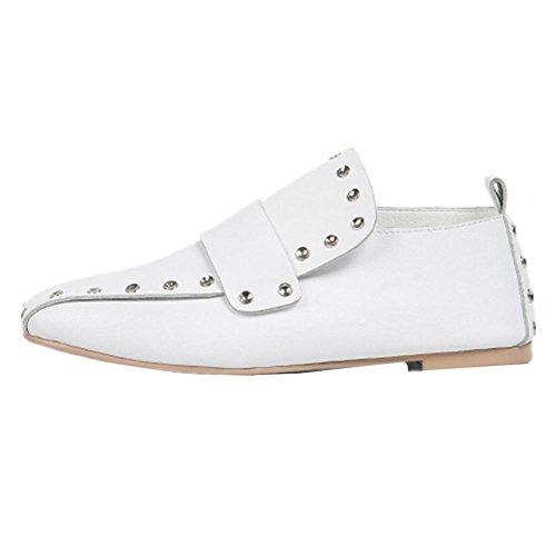 Nouveau Rivet Chaussures Plates En Cuir Chaussures À Tête Carrée Style Chaussures Simples Chaussures En Cuir Plat Femelle Blanc