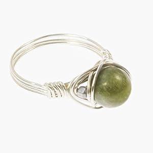 Silberner Edelstein-Ring mit grüner Jade und Hämatin