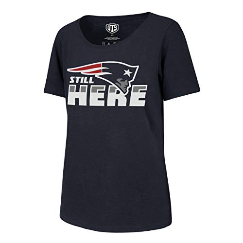 OTS NFL Damen T-Shirt NFL Slogan Slub Scoop Tee, NFL Women's Slogan Slub Scoop Tee, Still Here/Fall Navy, X-Large -