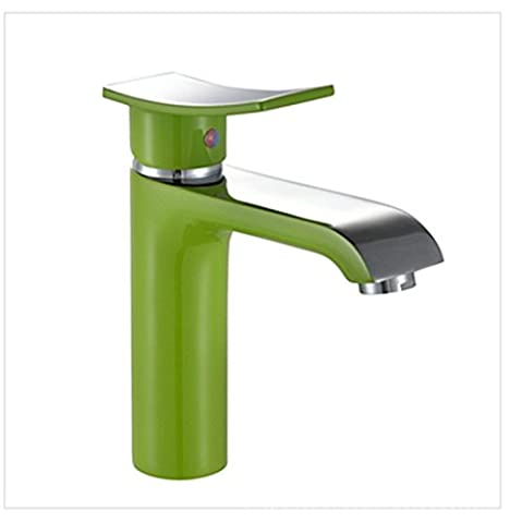 furesnts maison moderne Cuisine et robinets de lavabo du bain