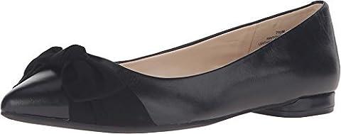 Nine West Women's Oh Really Black/Black Leather Flat 6.5 M