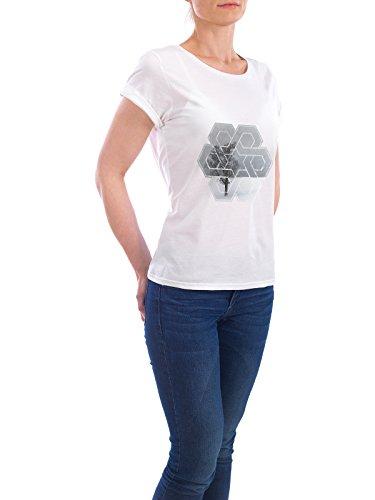 """Design T-Shirt Frauen Earth Positive """"Graphic Art WINTERTIME Lonely Tree"""" - stylisches Shirt Natur Weihnachten von Melanie Viola Weiß"""