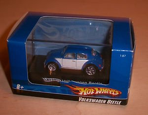 1:87 / Ho Scale Volkswagen Beetle (Blue & White) Hot Wheels Vehicle & Acrylic Display Case by Mattel