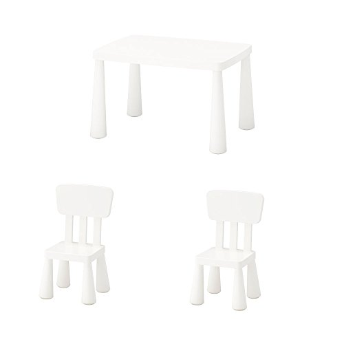 sch und 2 Kinderstühle in weiß; für drinnen und draußen ()