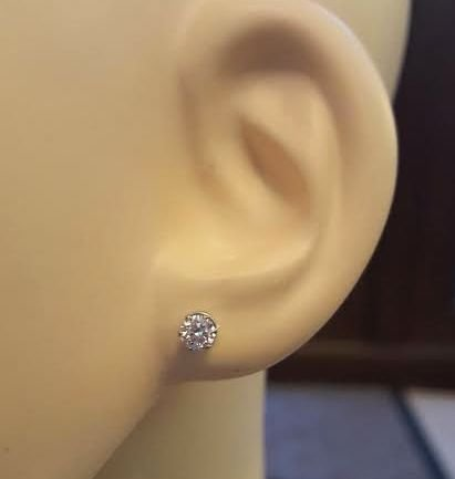 Magnetic Stainless Steel Clear Cubic Zirconia Round Classic Gem Stud