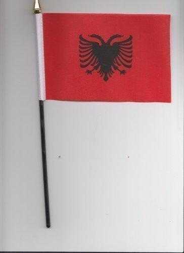 Drapeau de l'Albanie à main 25 cm